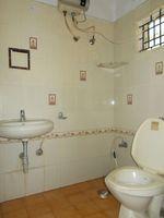 12DCU00307: Bathroom 1