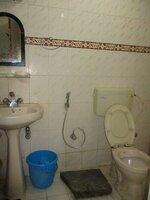 15F2U00050: Bathroom 1