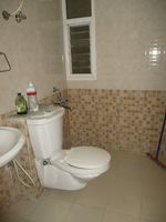 10M5U00049: Bathroom 2