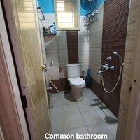 15J7U00077: Bathroom 2