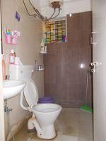 12J1U00048: Bathroom 3