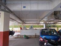 12J1U00048: parking 1