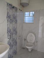 10F2U00018: Bathroom 2