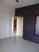 10F2U00018: master Bedroom