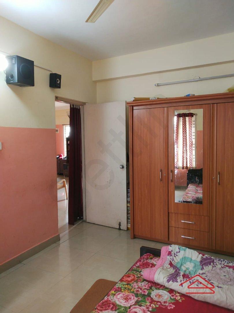 15S9U01024: Bedroom 1