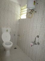 15J1U00169: Bathroom 1