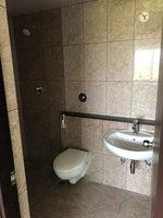 13S9U00119: Bathroom 1
