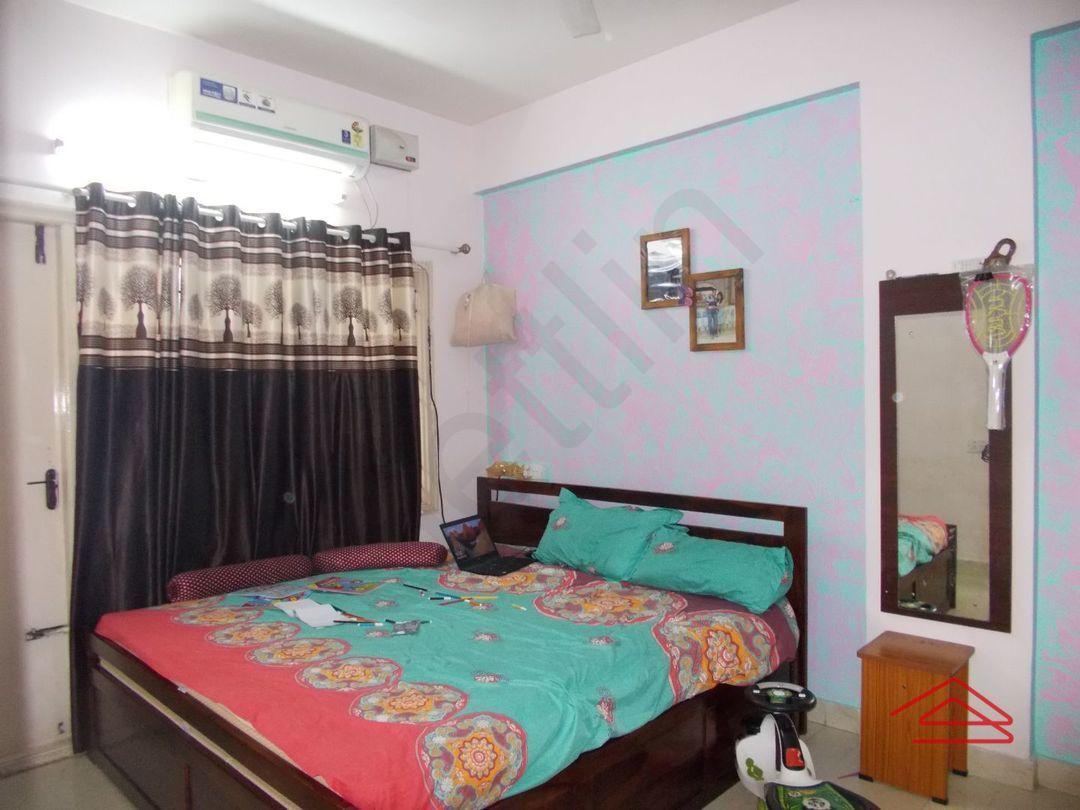 13J6U00372: Bedroom 1
