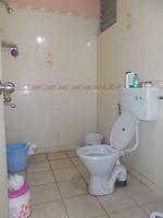 12DCU00122: Bathroom 1