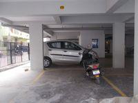 12DCU00122: parking 1