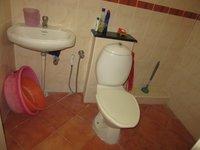 13M5U00027: Bathroom 1
