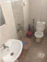 12DCU00235: Bathroom 1
