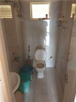 12DCU00235: Bathroom 2