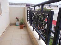 13M5U00393: Balcony 2