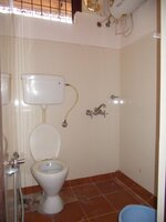 14OAU00110: Bathroom 4