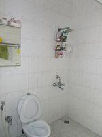 12A8U00053: Bathroom 3