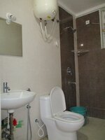 15A4U00082: Bathroom 2