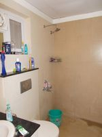 13J1U00092: Bathroom 2