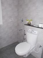 13M5U00506: Bathroom 2