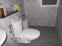 13M5U00506: Bathroom 1