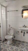 15F2U00297: Bathroom 2