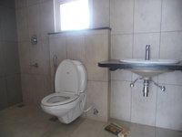 14M5U00032: Bathroom 1