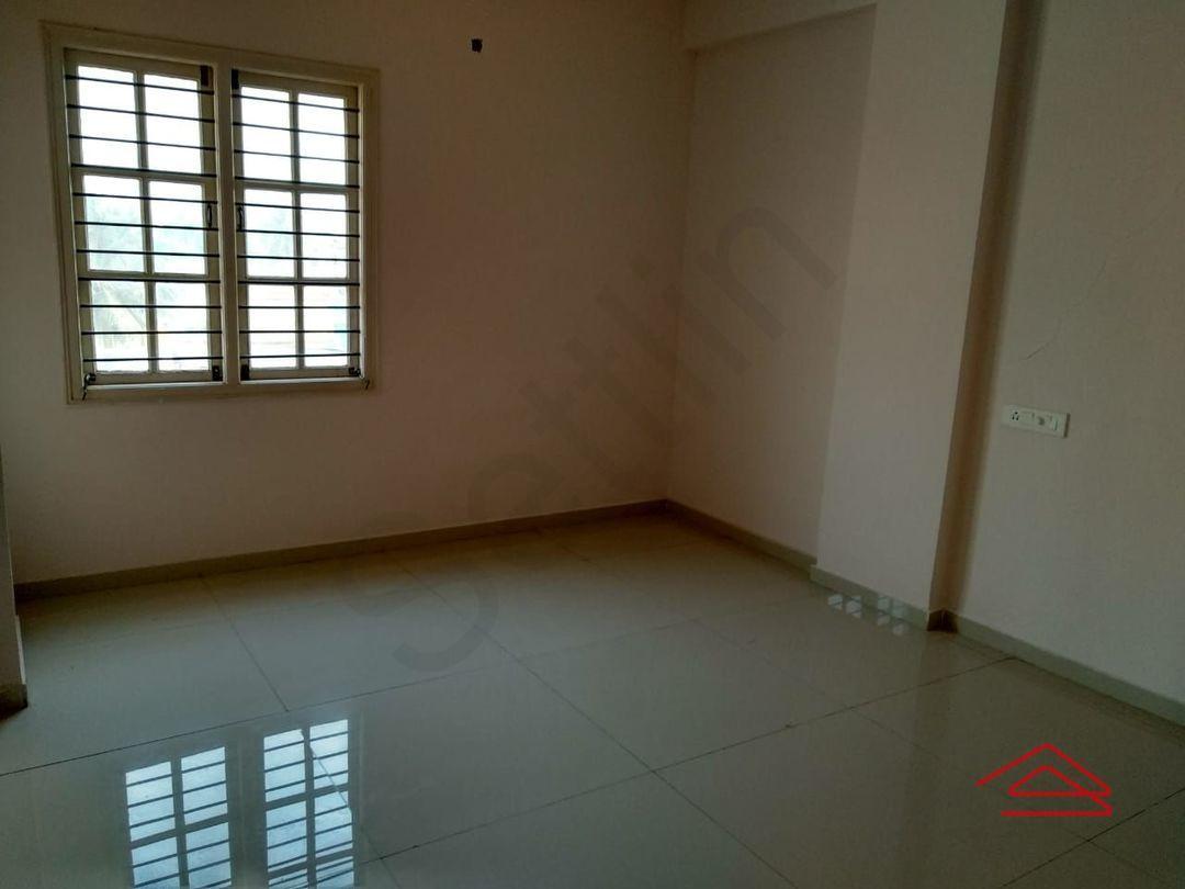 13M5U00060: Bedroom 1