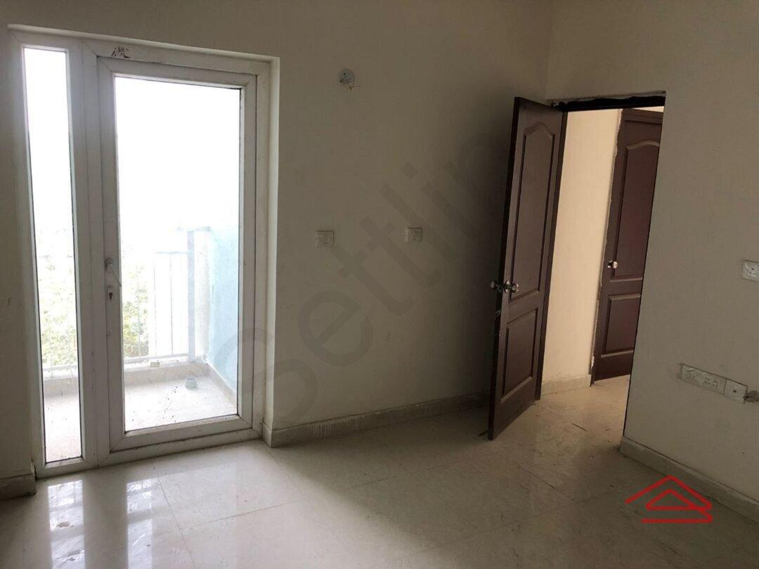 15F2U00207: Bedroom 1
