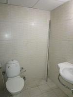 13A4U00357: Bathroom 1