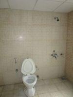 13A4U00357: Bathroom 2