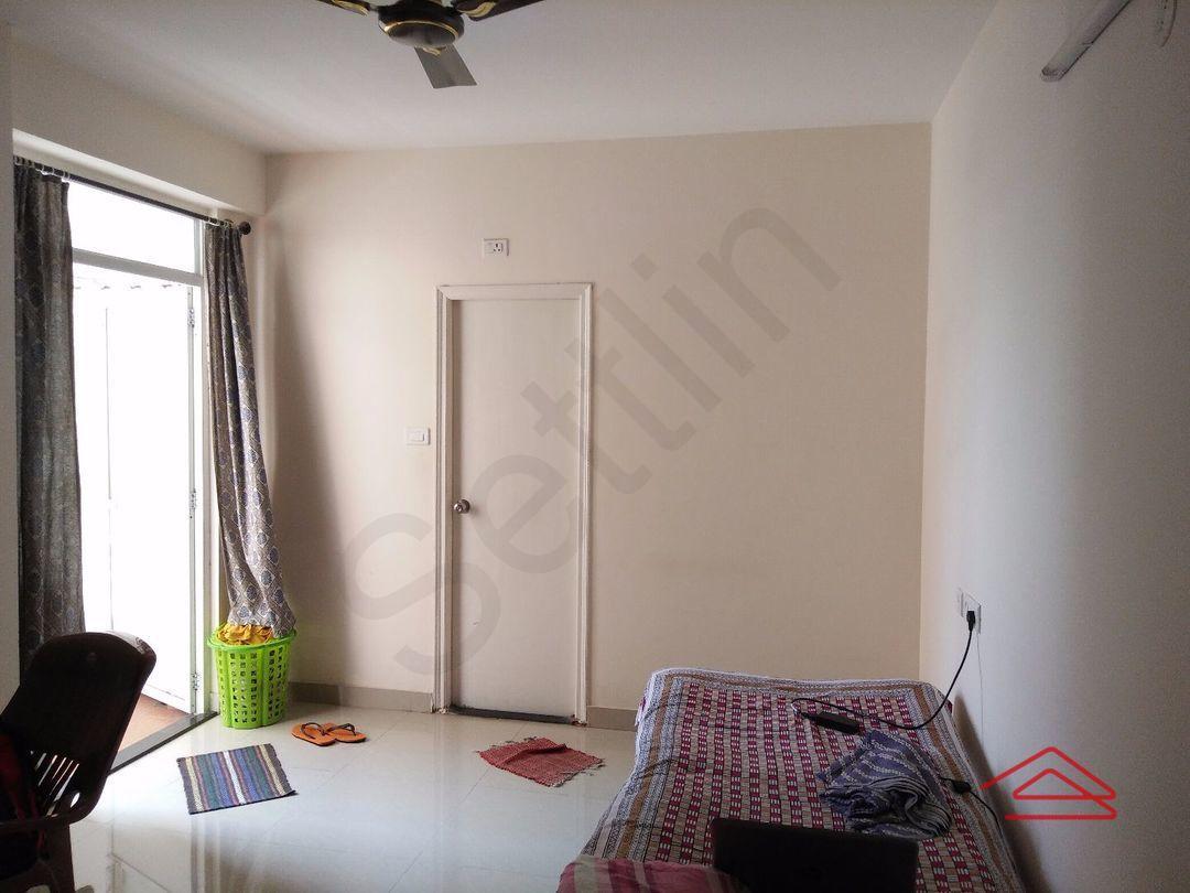 11S9U00142: Bedroom 1