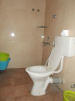 12DCU00263: Bathroom 2