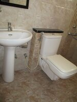 15A4U00120: Bathroom 3