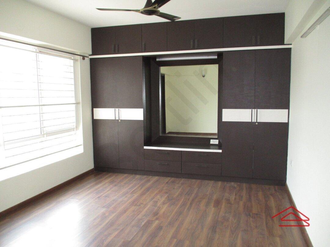 15A4U00120: Bedroom 1