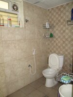15S9U00691: Bathroom 1