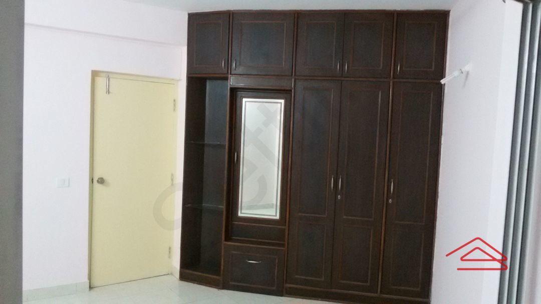 13J1U00300: Bedroom 1