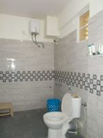13M5U00134: Bathroom 2