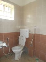 12OAU00005: Bathroom 1