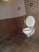 12J7U00341: Bathroom 2