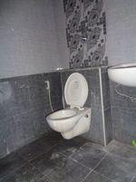 12J7U00341: Bathroom 1