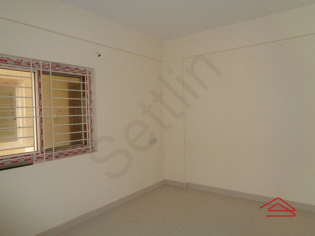 12J7U00341: Bedroom 1