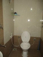 12DCU00247: Bathroom 2