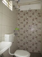 Sub Unit 15OAU00207: bathrooms 1