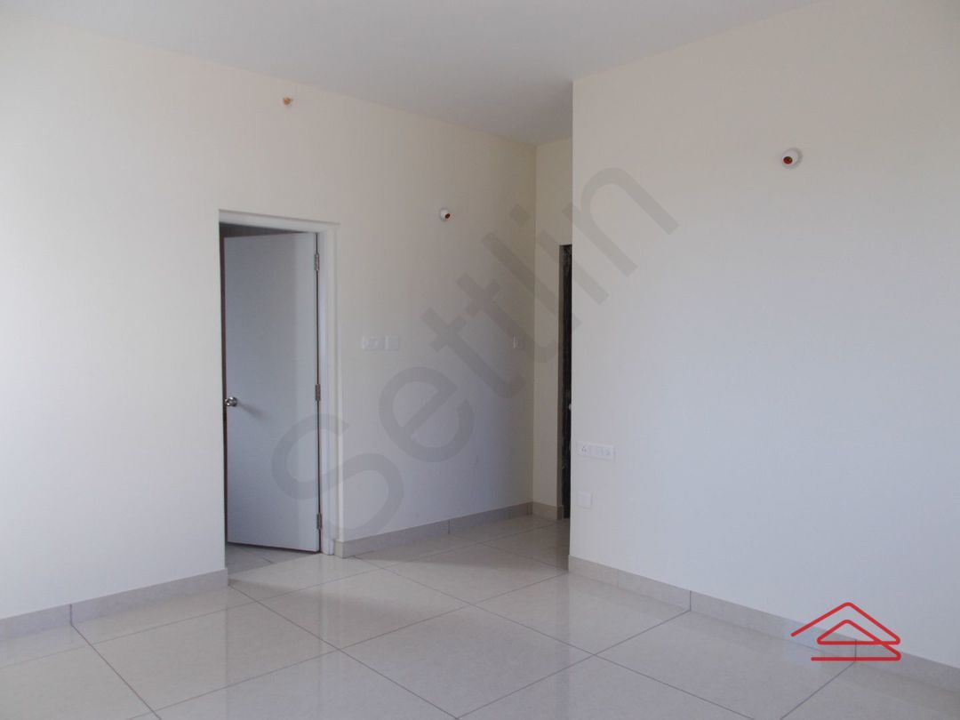 13F2U00605: Bedroom 1