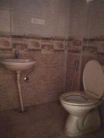 11DCU00031: Bathroom 1
