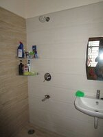 14OAU00350: Bathroom 1