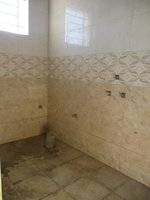 14F2U00220: Bathroom 1