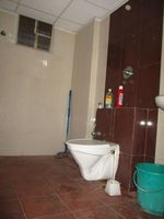 10M3U00944: Bathroom 1