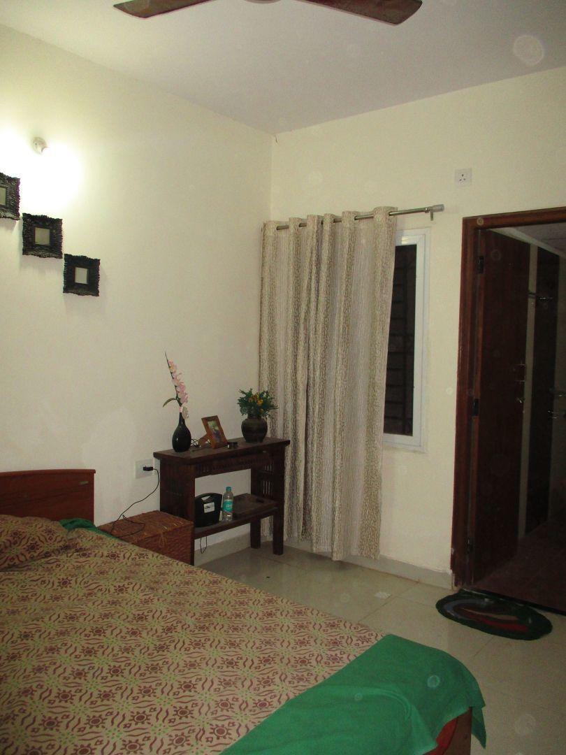 10M3U00944: Bedroom 1