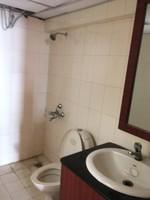 11J6U00025: Bathroom 3